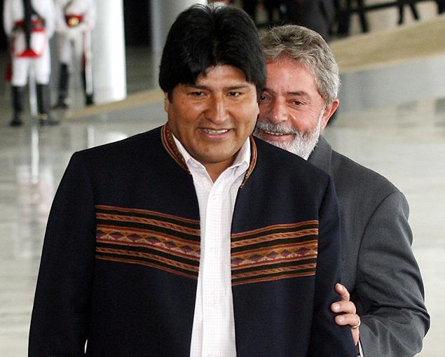 Entre as ideias e às armas: a direita latino-americana e a esquerdabrasileira